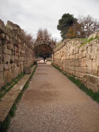 Olympia, Greece: entrada para o estádio em Antiga Olimpia