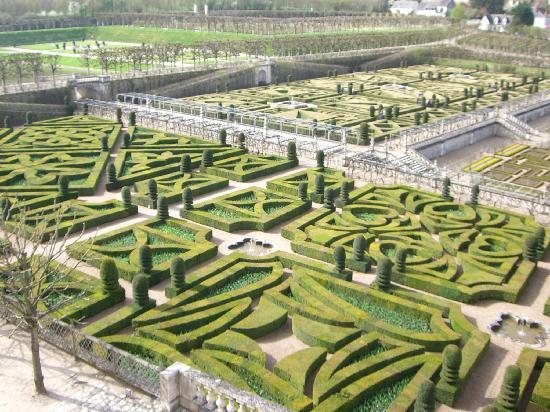 Chateau Gardens - Picture of Loire Valley Breaks, Saint Nicolas de ...