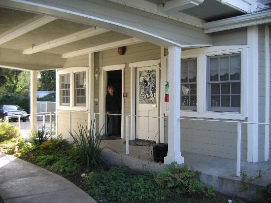 Ballard, CA: Annex
