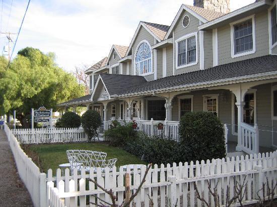 Ballard, CA: Front of Inn