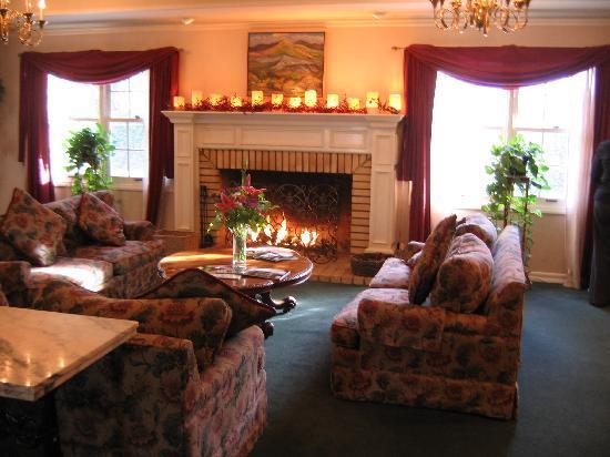 Ballard Inn: Reception Room
