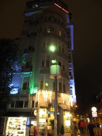 Adamar Hotel: Adamar at Night
