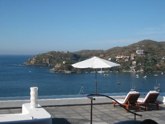 Tentaciones Hotel: Idyllic pool deck