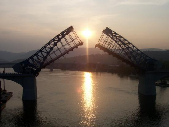 Walnut Street Bridge: I was lucky enough to catch this pic. This drawbridge opens once every 5 years for maintenance..