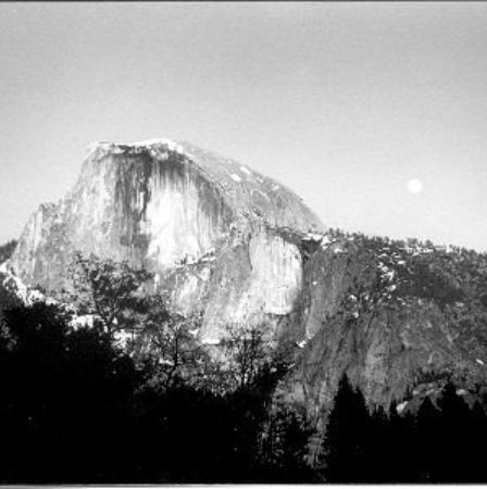 San Andreas, Kaliforniya: Half Dome by moonlight
