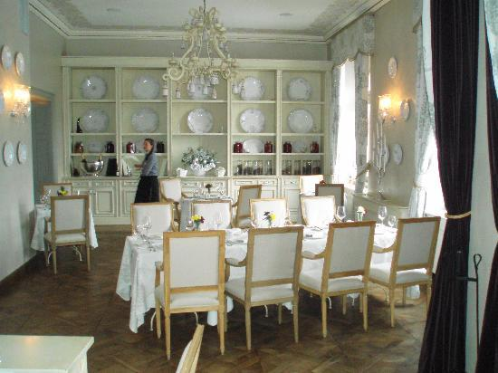Chateau Mcely : Hall of Plates