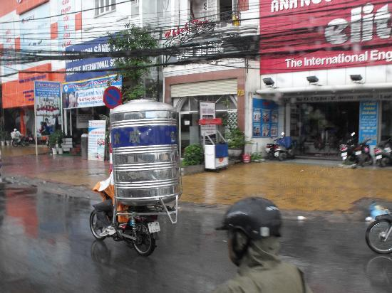 Caravelle Saigon: carrying a water cylinder