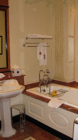 The K Club : Bathroom