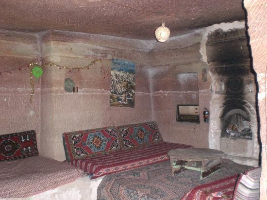 Kemal's Guest House: Wohnraum in einer Höhle bei Kemal
