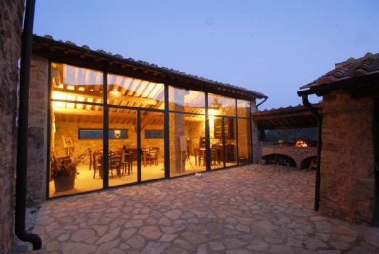 PODERE PIETRAIO Prices & Villa Reviews (Radicondoli