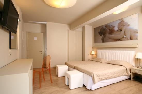 Bourtzi Boutique Hotel: Guest room