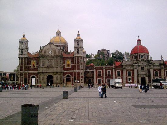 Basilica de Santa Maria de Guadalupe: Mexico DF Antigua Basilica de Guadalupe