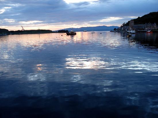 Barcaldine House Hotel: sunset from oban harbor