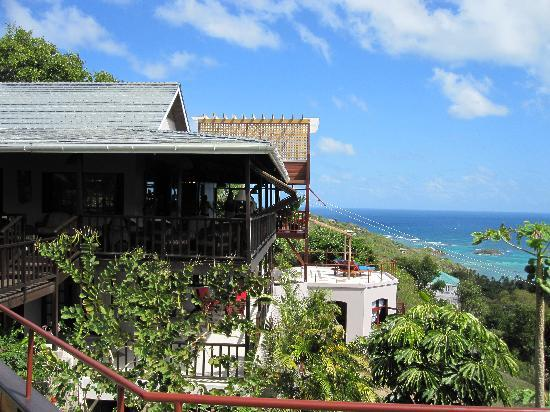 Spring Hotel Bequia : one wing of the guesthouse