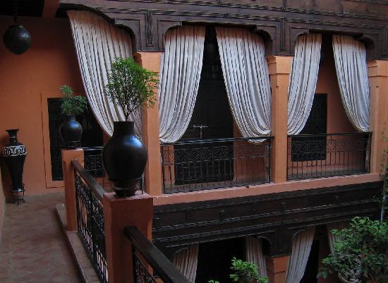 Riad Hermes: patio:1r piso