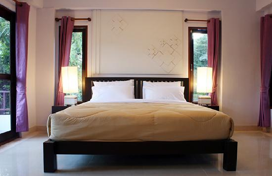 Yindee Stylish Guesthouse: Deluxe Bedroom