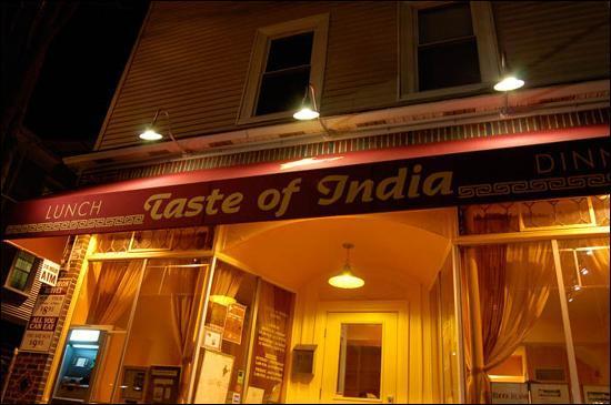 Taste of India: Outside