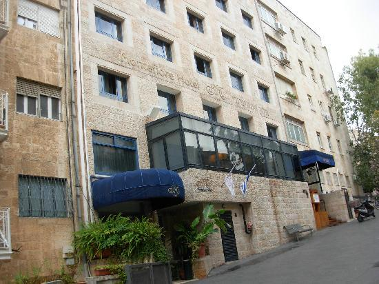 Front of hotel picture of montefiore hotel jerusalem for Hotels jerusalem