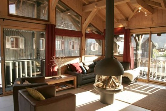 More Mountain - Chalet Robin : Modern & Contemporary Style and designer fireplaces
