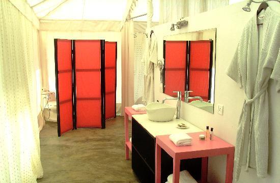 Amarya Shamiyana: A Bathroom