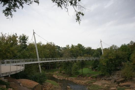 Falls Park på Reedy: Falls Bridge