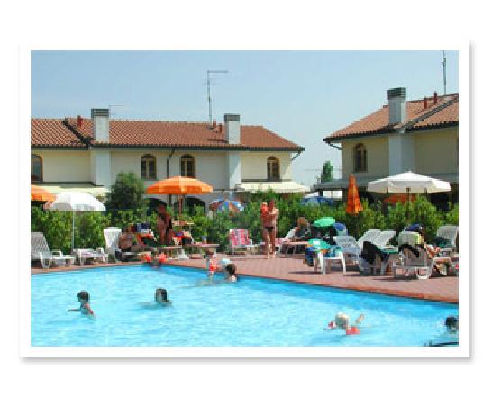 Villaggio Club Teodorico: Piscina 1 Villaggio Teodorico