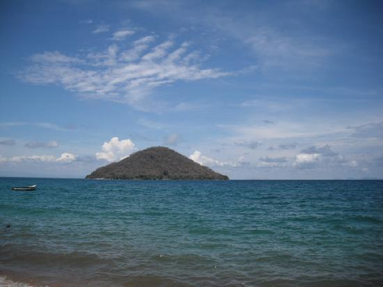 Gecko Lounge: View of Tumbi Island from the shore, December 2009
