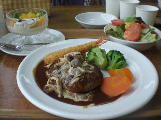 Safari Restaurant : ハンバーグ