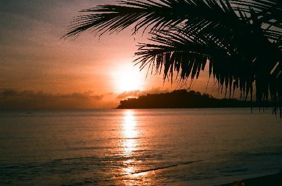 Argosy on the Beach: Sunrise