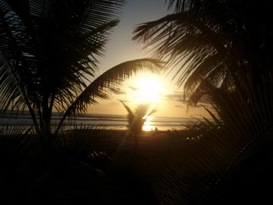 Encantada Ocean Cottages: Another gorgeous sunset