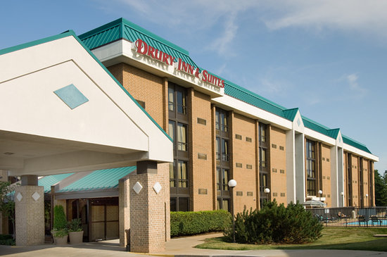 Drury Inn & Suites St. Louis Westport: Exterior