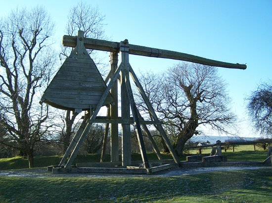 Caerlaverock Castle: Trebuchet at Caeverlock
