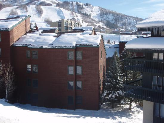 Kutuk Condominiums at Steamboat Springs : Kutuk 312 faces the mountain