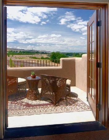 Inn at Desert Wind Winery: Every guest room enjoys a private balcony