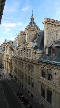 Hotel Cluny Sorbonne: View from my 4th floor room window
