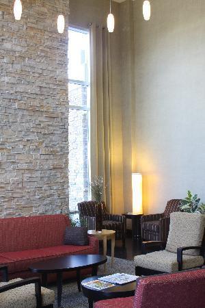 Cambria hotel & suites Denver International Airport: Lobby