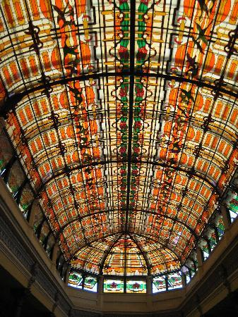 Hotel Raquel: Stained Glass Roof over Atrium