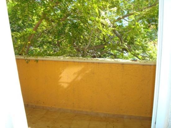 Los Arcos Suites : Our deck