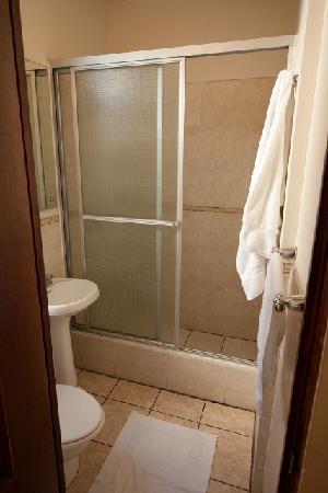 Hotel Casa Blanca Inn: Modern bathroom
