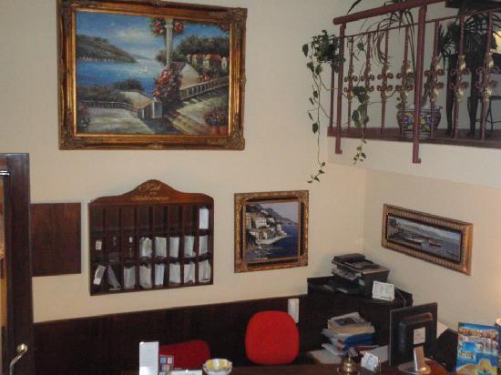 Hotel Mediterraneo: reception