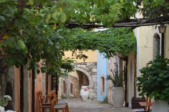 Arolithos Traditional Cretan Village: Small street in the village