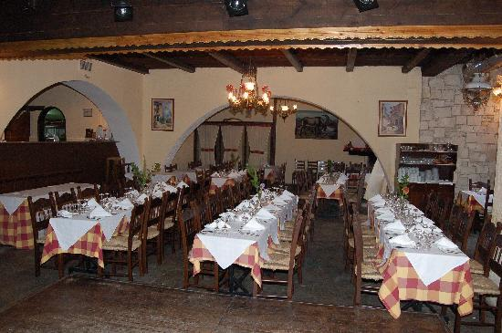 Arolithos Traditional Cretan Village: The tavern
