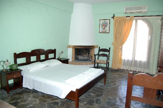 Arolithos Traditional Cretan Village: Room of the hotel