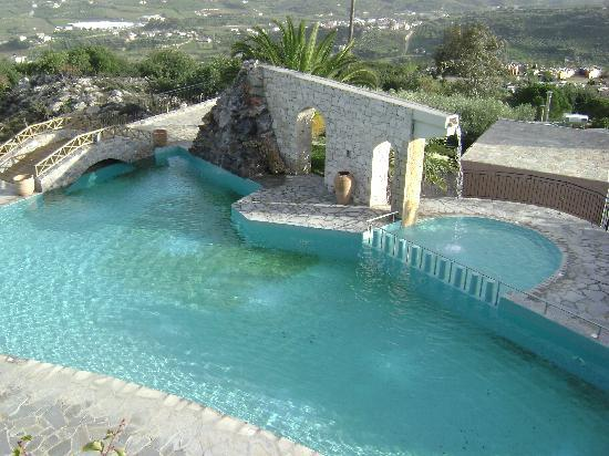 Arolithos Traditional Cretan Village: The swimming pool