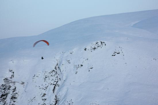 Moffat, UK : Paragliding at the Devil's Beef Tub