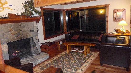 Rough and Tumble Bush Lodge: The relaxing lounge