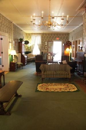 Brandon Inn: The lobby