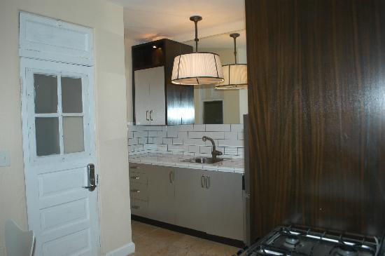 South Beach Villas: Room