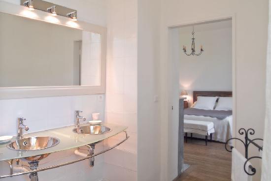 Manoir les Arums: salle de bains