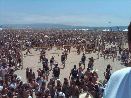 Manhattan Beach, Californien: 11 am beach is packed